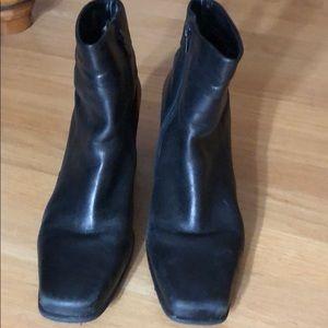 Classic leather black zip booties
